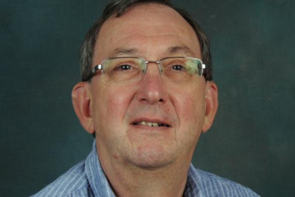 Dr Peter Darrah